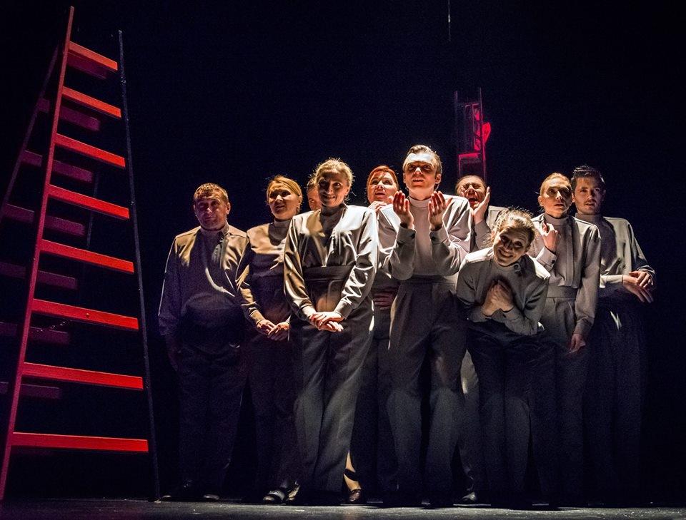 """R. Kapuściński """"Cesarz"""", reż. Aneta Głuch-Klucznik, Teatr Zagłębia w Sosnowcu / fot. M. Stobierski"""